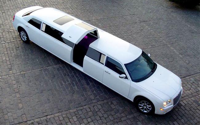 Аренда Лимузин Chrysler Bentley Style на свадьбу Николаев