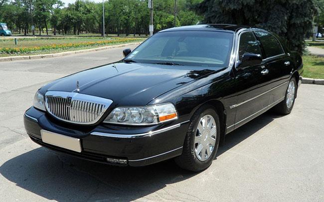 Аренда Lincoln Town Car на свадьбу Николаев