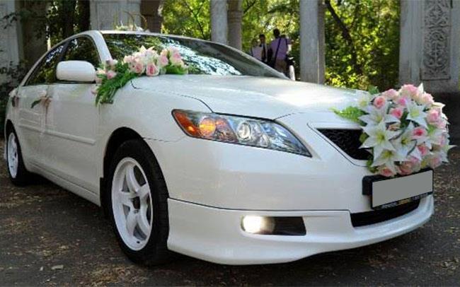 Аренда Toyota Camry Hybrid на свадьбу Николаев