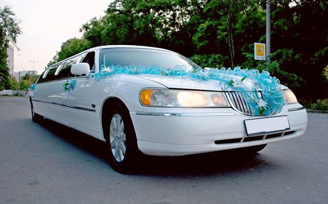 Аренда Лимузин Lincoln Town Car на свадьбу Николаев