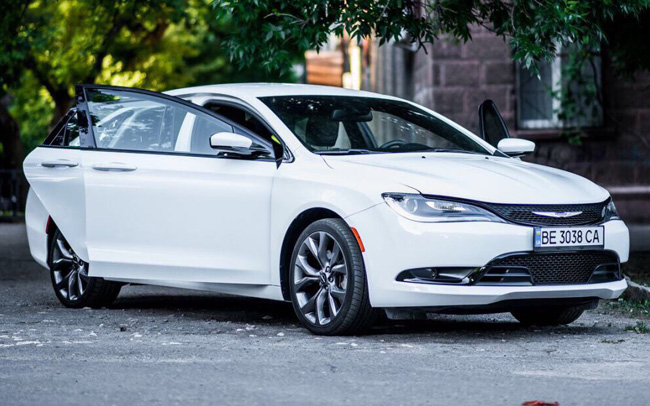 Аренда Chrysler 200S на свадьбу Николаев